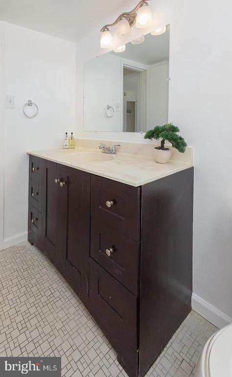 Bathroom - 2650 REDCOAT DR #92, ALEXANDRIA
