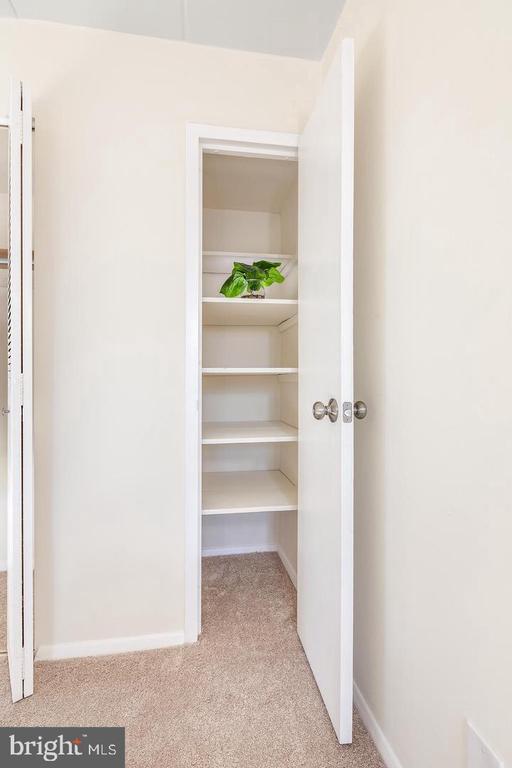 Walk-in Closet - 2650 REDCOAT DR #92, ALEXANDRIA