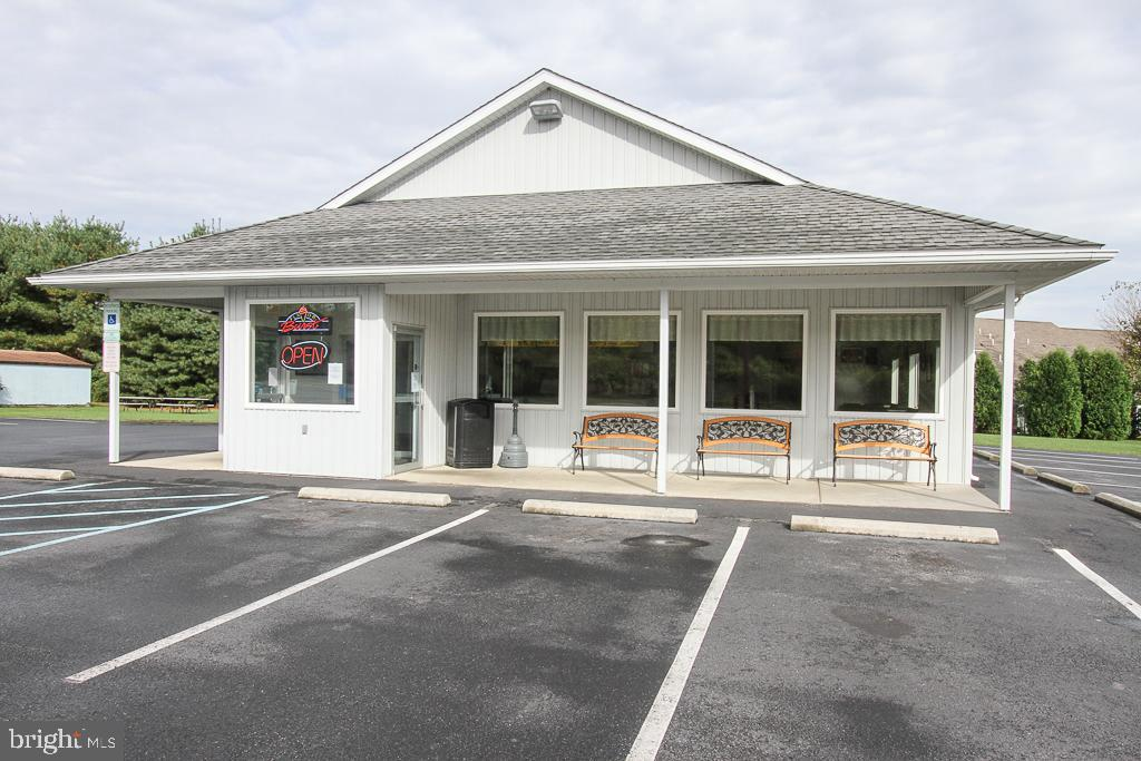 Retail for Sale at Blandon, Pennsylvania 19510 United States