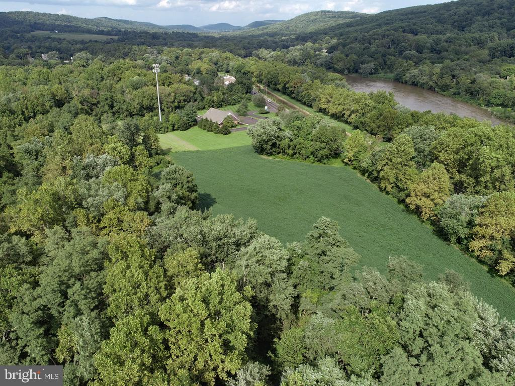 Land for Sale at Kintnersville, Pennsylvania 18930 United States