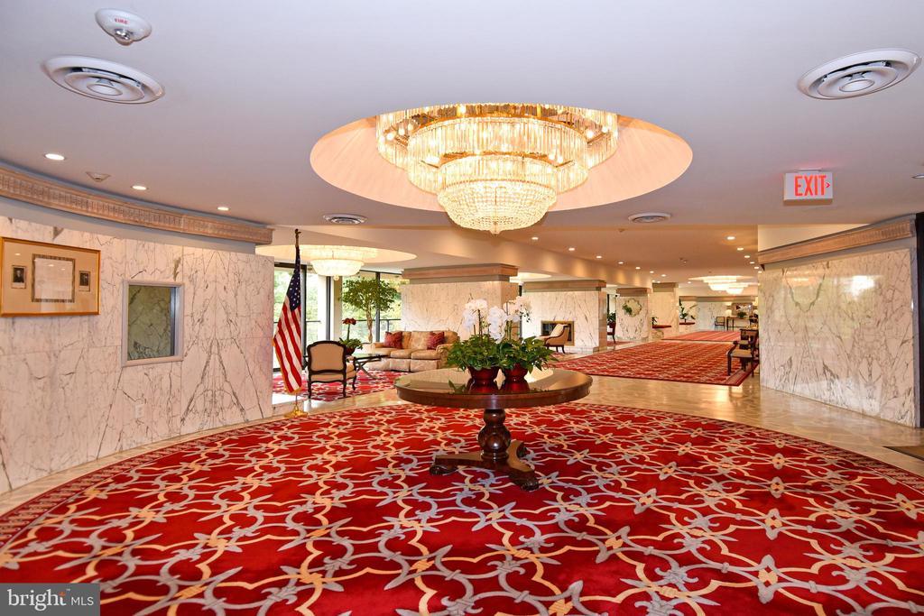 Main Lobby - 3rd View - 1101 S ARLINGTON RIDGE RD #903, ARLINGTON
