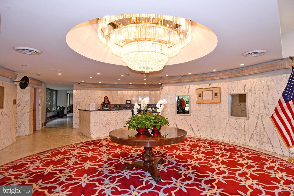 Main Lobby - 24 Hour Front Desk - 1101 S ARLINGTON RIDGE RD #903, ARLINGTON