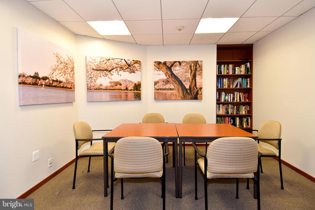 Business Center - 1101 S ARLINGTON RIDGE RD #903, ARLINGTON