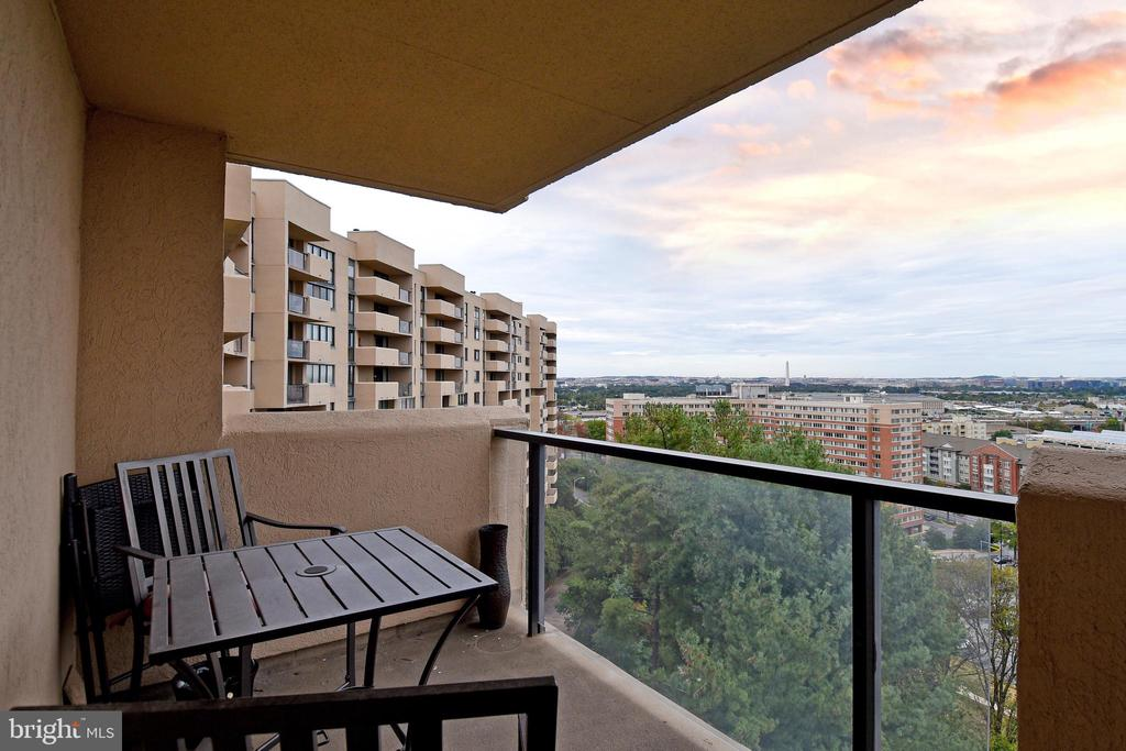 20 Foot Balcony - 3rd View - 1101 S ARLINGTON RIDGE RD #903, ARLINGTON