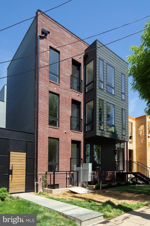 Exterior - 4335 HARRISON ST NW #8, WASHINGTON