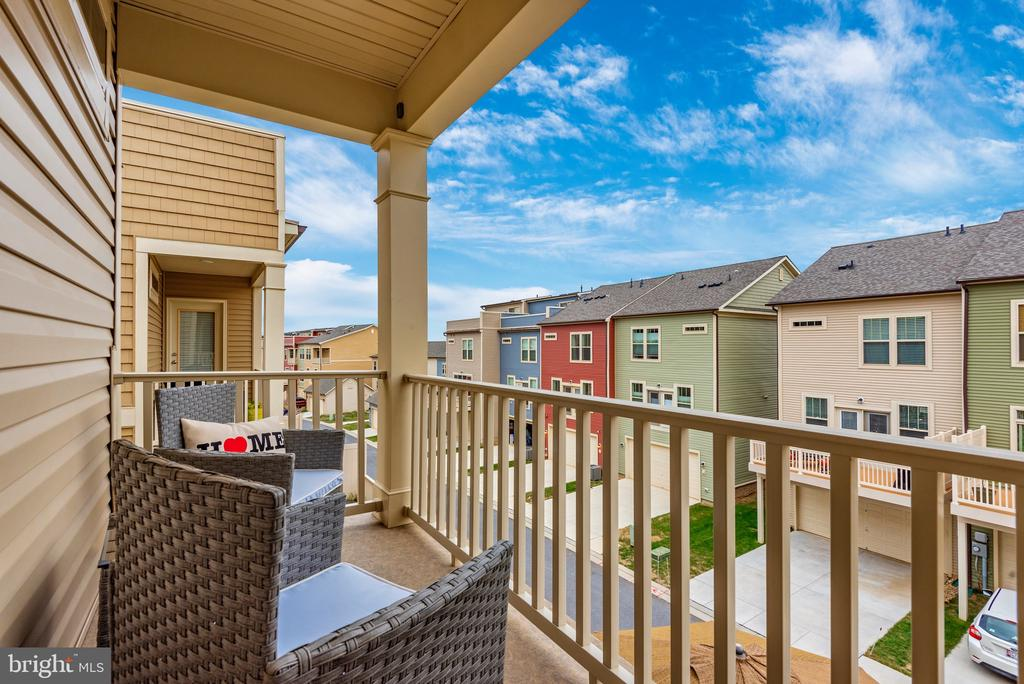 Deck off master bedroom - 8809 SHADY PINES DR, FREDERICK