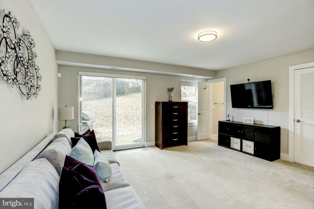 Lower level family/bonus room. - 3513 22ND ST S, ARLINGTON