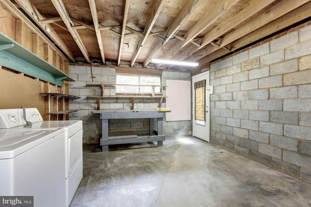 Larger Utility/Storage space w/ walk-out stairs - 712 CABIN JOHN PKWY, ROCKVILLE