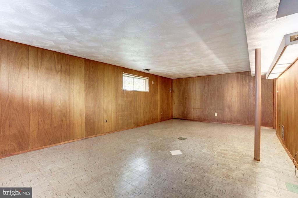 Family Room - 712 CABIN JOHN PKWY, ROCKVILLE