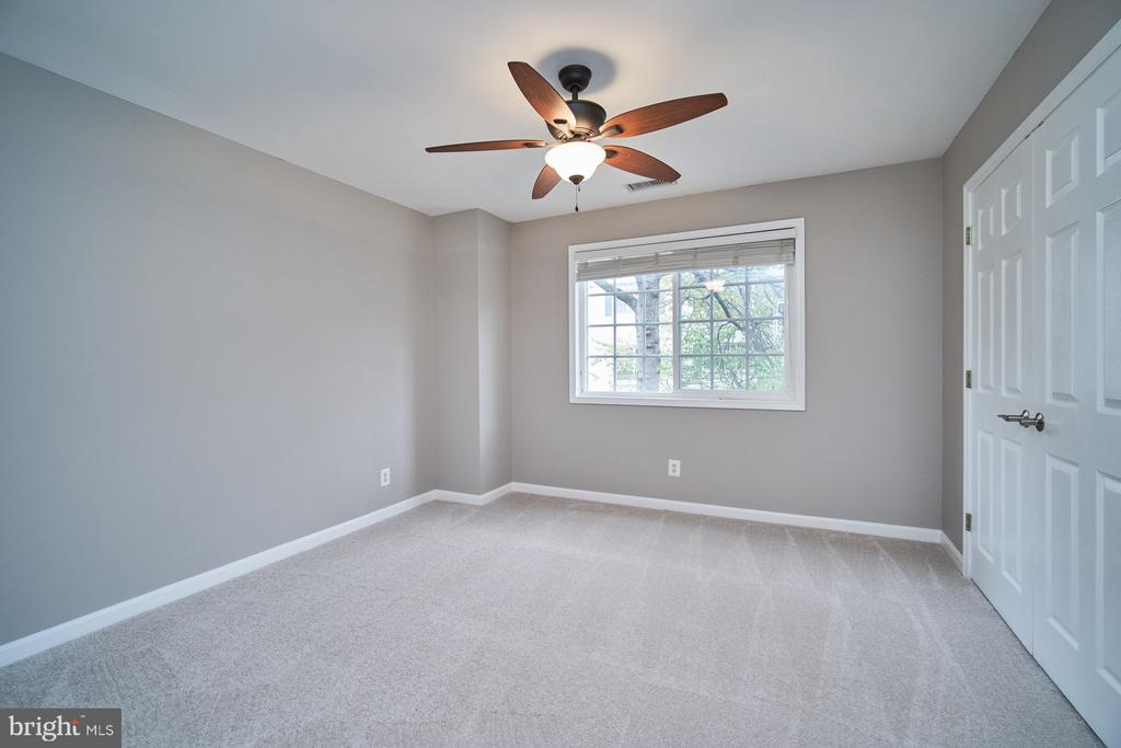 Second bedroom with brand new carpeting - 1289 N VAN DORN ST, ALEXANDRIA