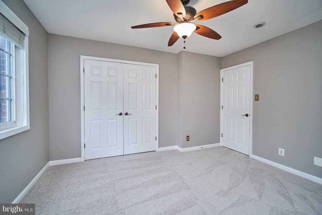 Master bedroom with brand new carpeting - 1289 N VAN DORN ST, ALEXANDRIA