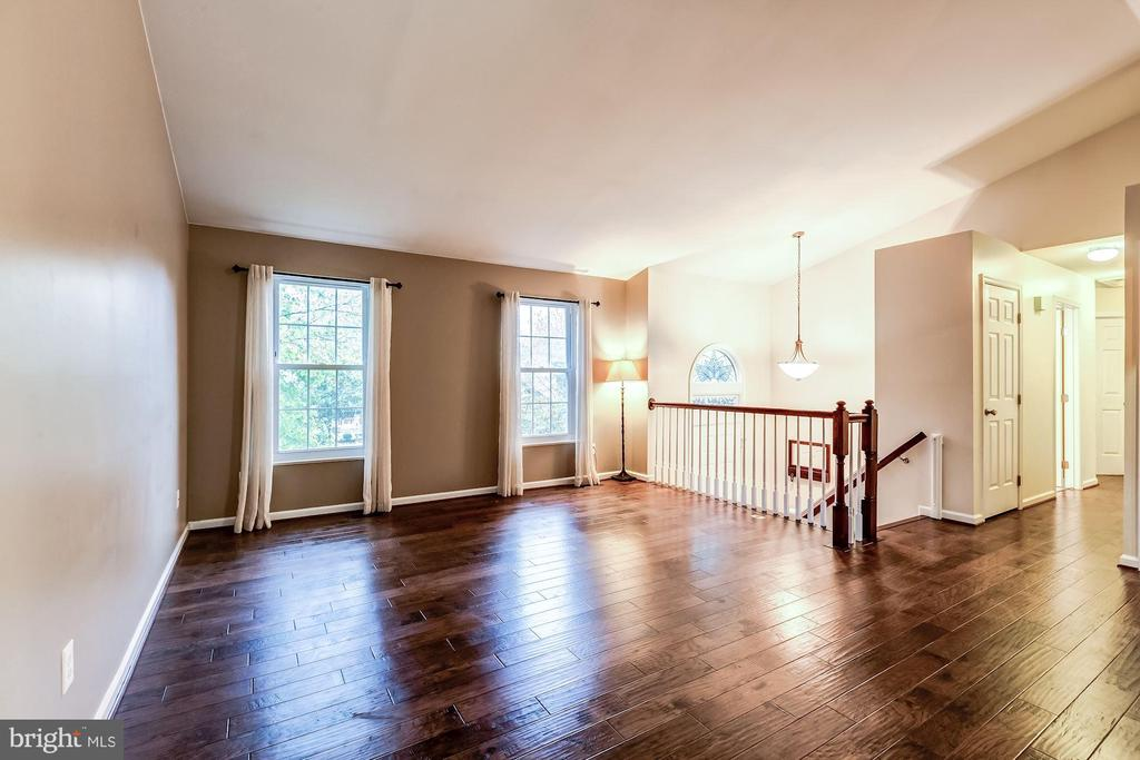 Living Room - Spacious, Light, Bright, & Airy! - 20617 PREAKNESS CT, ASHBURN