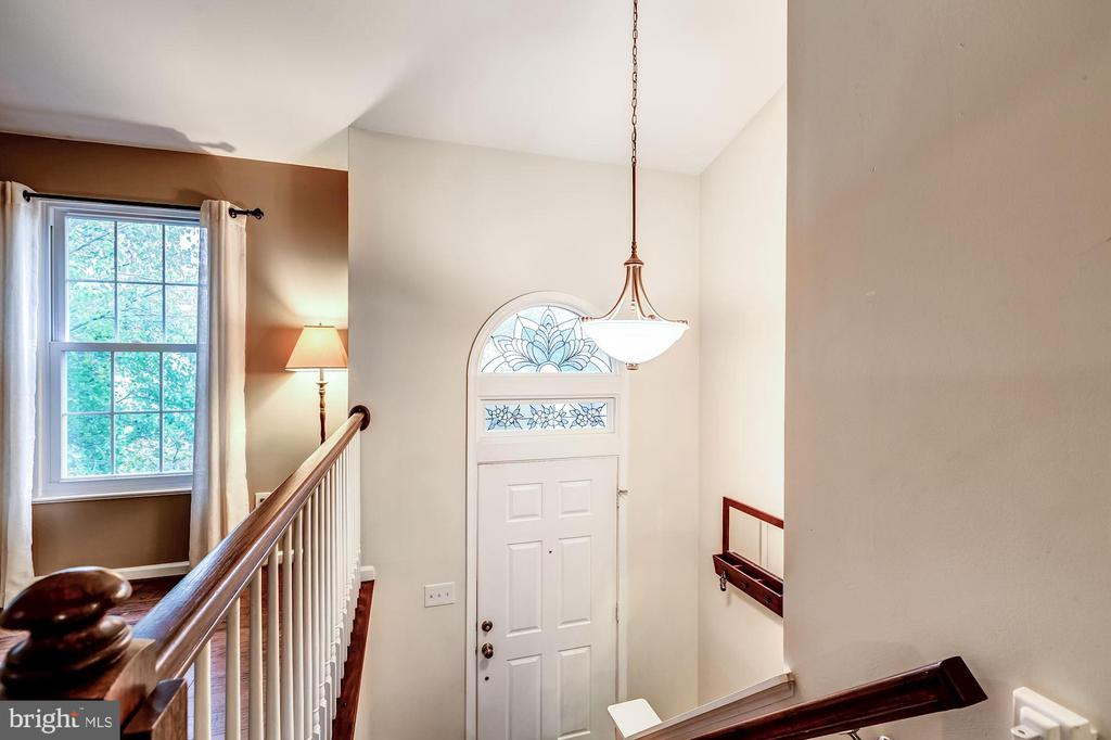 Foyer - Vaulted Ceiling - 20617 PREAKNESS CT, ASHBURN