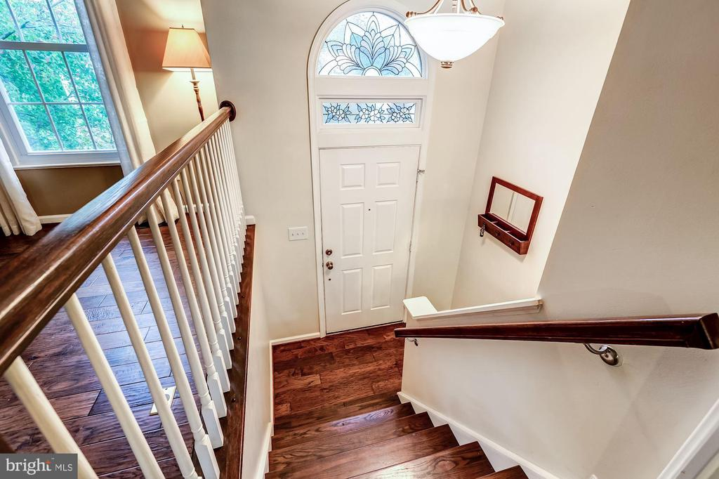 Foyer - Hardwood Floors - 20617 PREAKNESS CT, ASHBURN