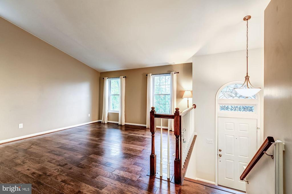 Living Room - New Windows Throughout Entire Home! - 20617 PREAKNESS CT, ASHBURN