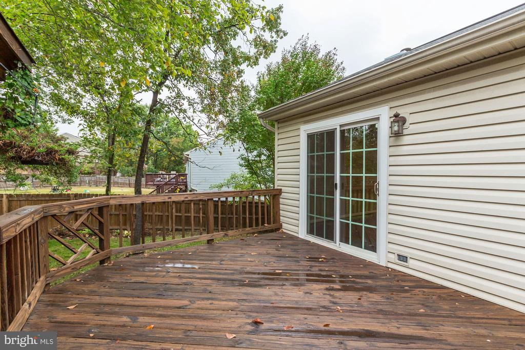 Deck - Perfect for All Your Outdoor Entertaining! - 20617 PREAKNESS CT, ASHBURN