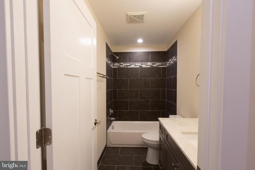 Hall Bath - 16 S LOCUST ST, ROUND HILL
