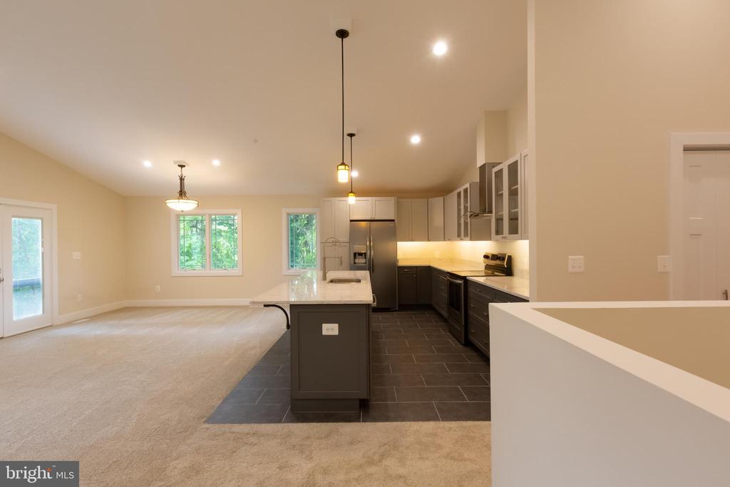 Kitchen Opens to Family Room - 16 S LOCUST ST, ROUND HILL