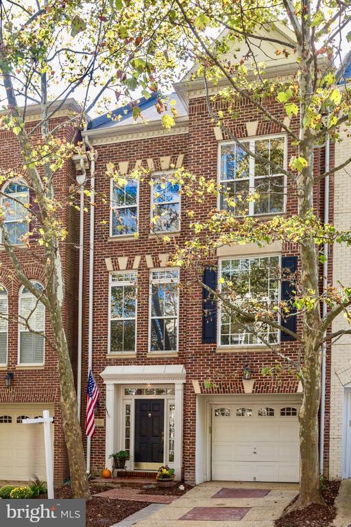 Exterior Front - 5266 COLONEL JOHNSON LN, ALEXANDRIA