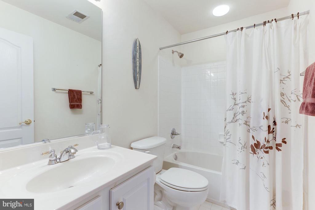 Bathroom 2 - 5266 COLONEL JOHNSON LN, ALEXANDRIA