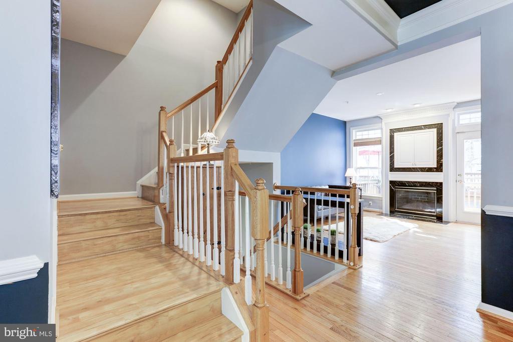 Main Level Stairs - 5266 COLONEL JOHNSON LN, ALEXANDRIA