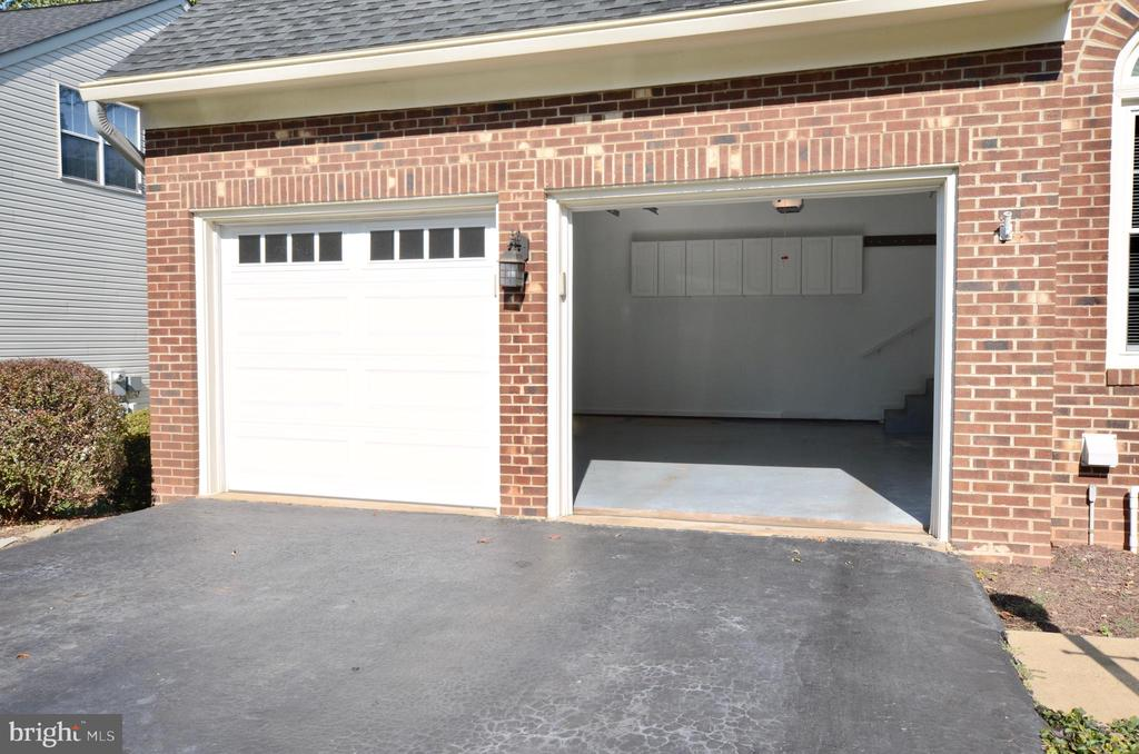 Extra large garage door opening for trucks/suv's - 46432 MONTGOMERY PL, STERLING