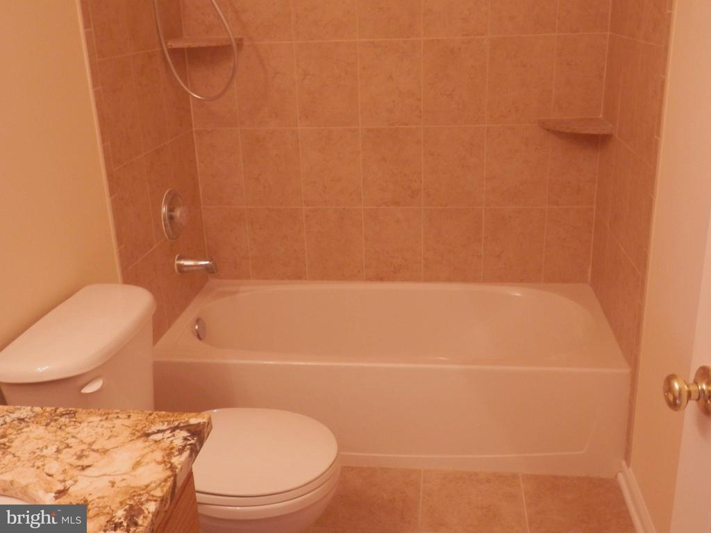 3rd Bathroom - 20953 DURYEA TER, ASHBURN