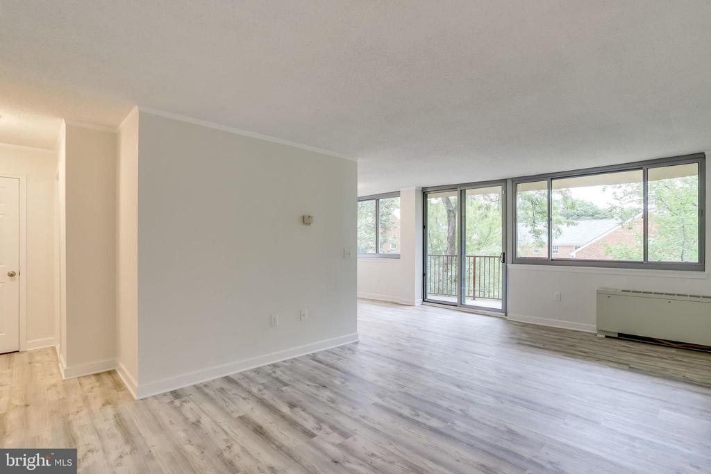 Today's spaces are more livable! - 5353 COLUMBIA PIKE #602, ARLINGTON