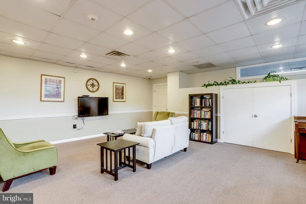 Conference room, entertainment... - 5353 COLUMBIA PIKE #602, ARLINGTON