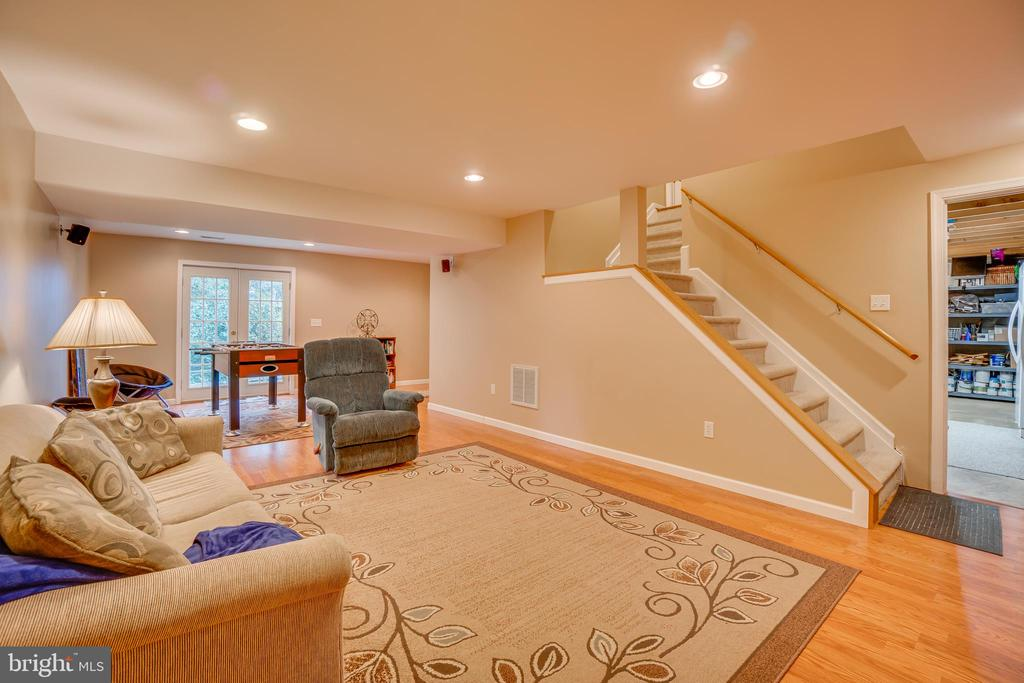 Huge Basement with Finished Rec Room - 260 GREENSPRING DR, STAFFORD