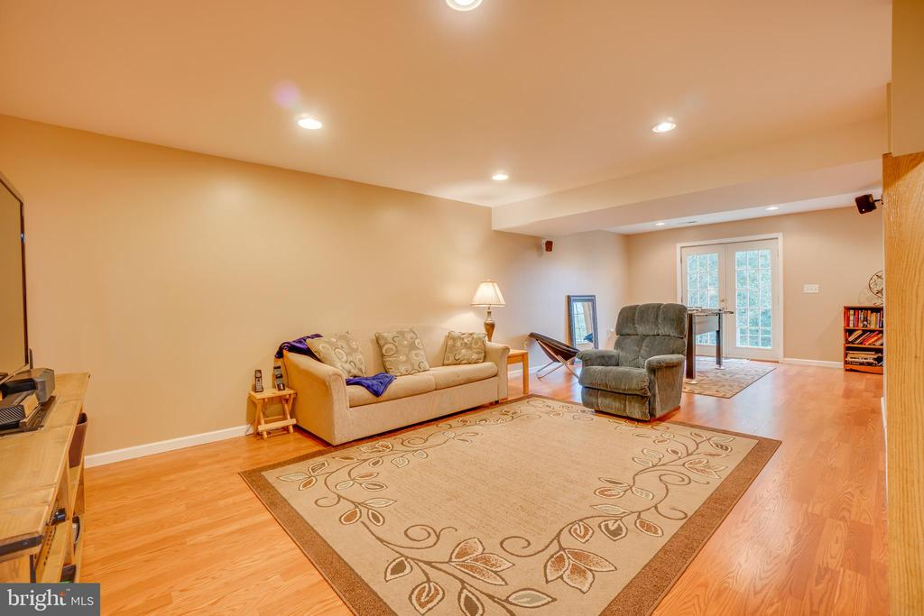 Wood Flooring in Basement - 260 GREENSPRING DR, STAFFORD