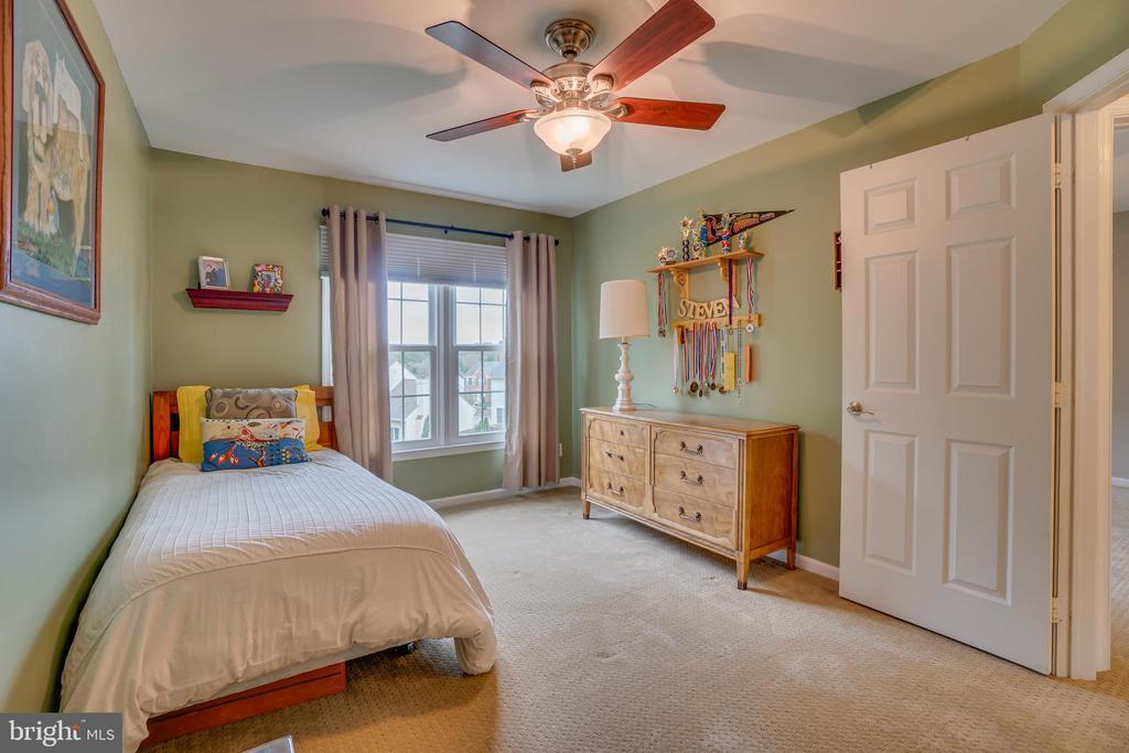 Bedroom 2 - 260 GREENSPRING DR, STAFFORD