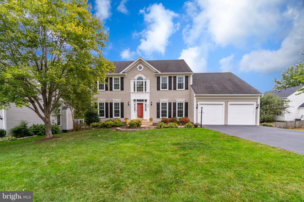 Welcome to 260 Greenspring Drive! - 260 GREENSPRING DR, STAFFORD