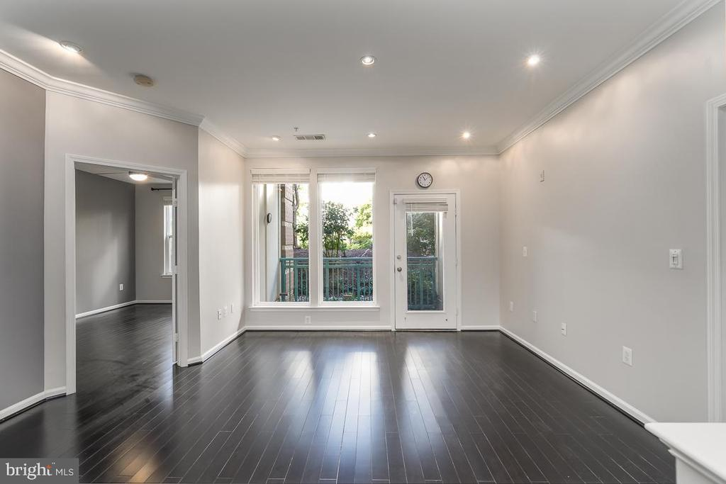 Gleaming bamboo floors - 12001 MARKET ST #158, RESTON