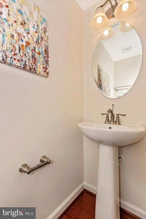 Main Level Powder Room - 6469 JACK LINTON DRIVE SOUTH, FREDERICK
