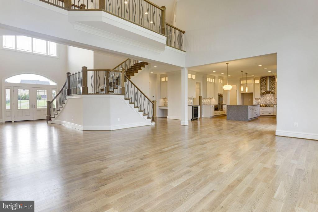 Gorgeous Open Floor Plan - 6517 HEATHER GLEN WAY, CLARKSVILLE