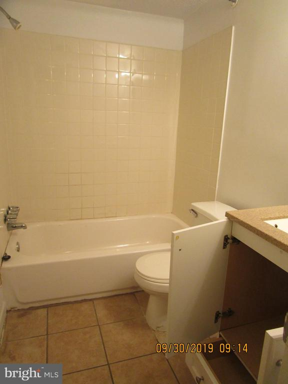 Full bathroom - 3101 SOUTHERN AVE #28, TEMPLE HILLS