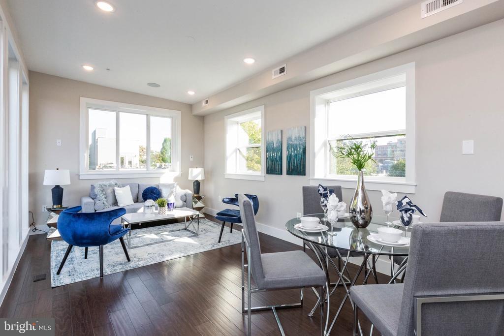 #2 living room and dining room combo - 910 9TH ST NE #1, WASHINGTON