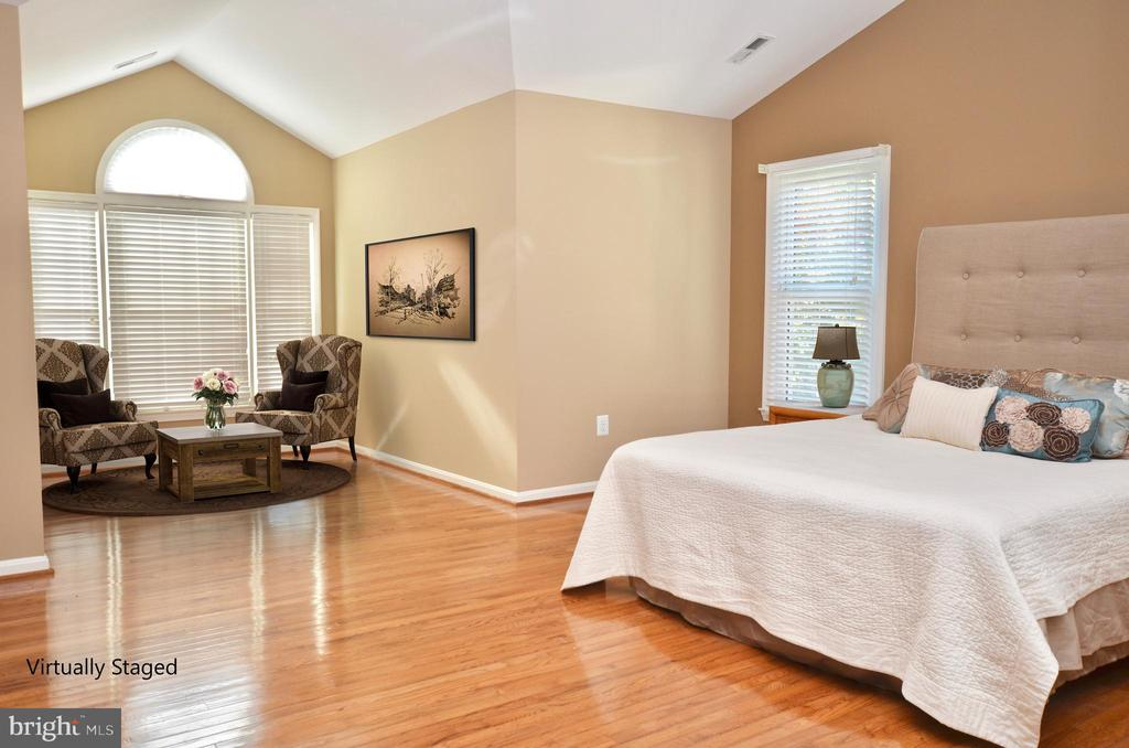 Master bedroom w/sitting area - virtually staged - 46432 MONTGOMERY PL, STERLING