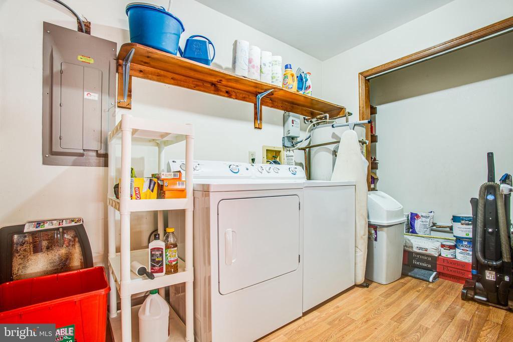 Laundry Rm/Mud Rm - 5060 LAVELLE DR, FREDERICKSBURG