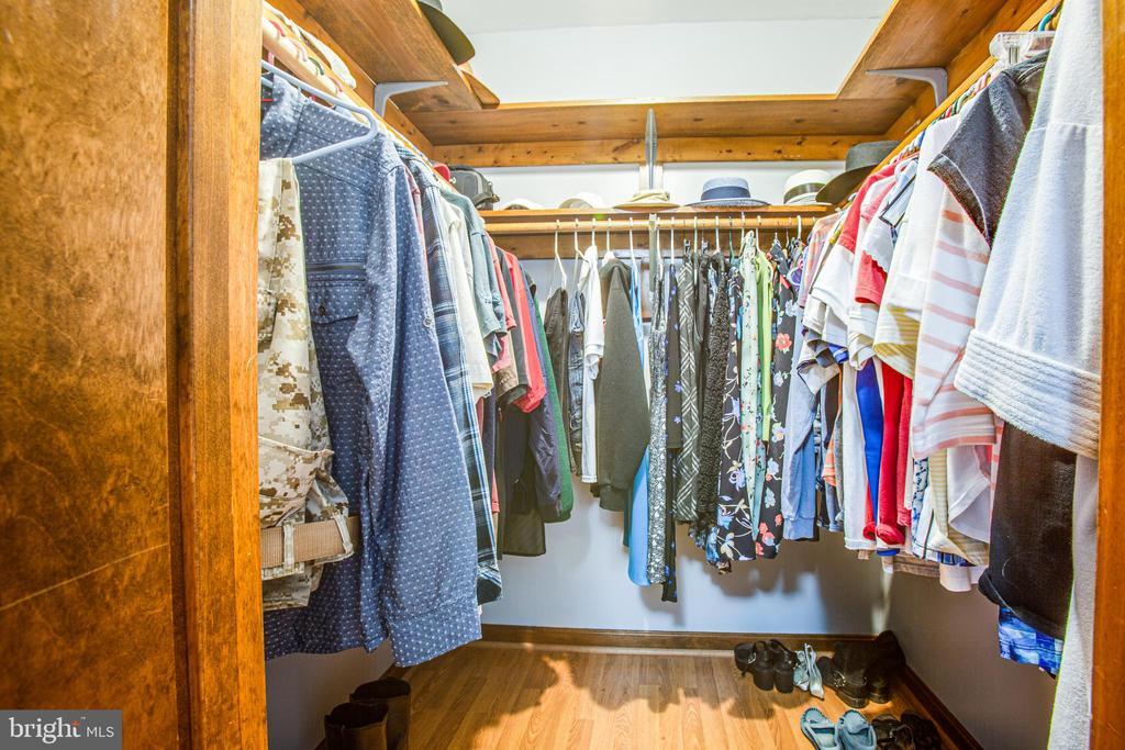 Master walk in closet - 5060 LAVELLE DR, FREDERICKSBURG