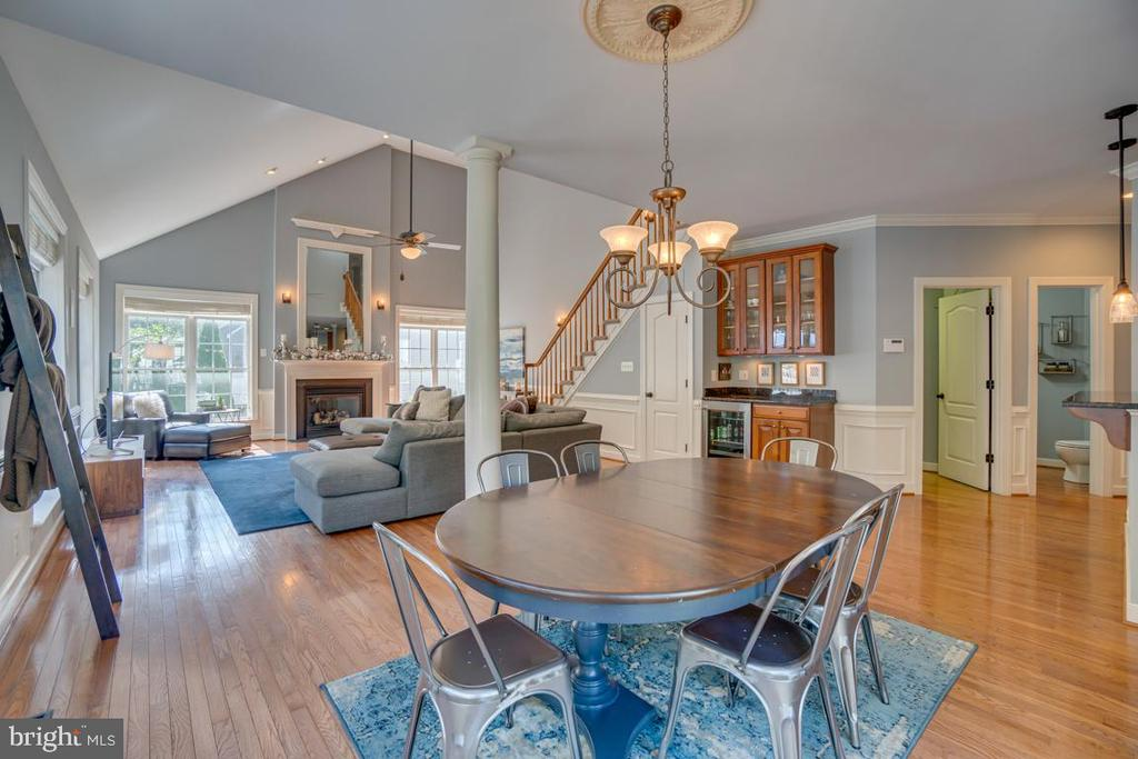 No one gets left out in this amazing open concept - 33 GRISTMILL DR, STAFFORD