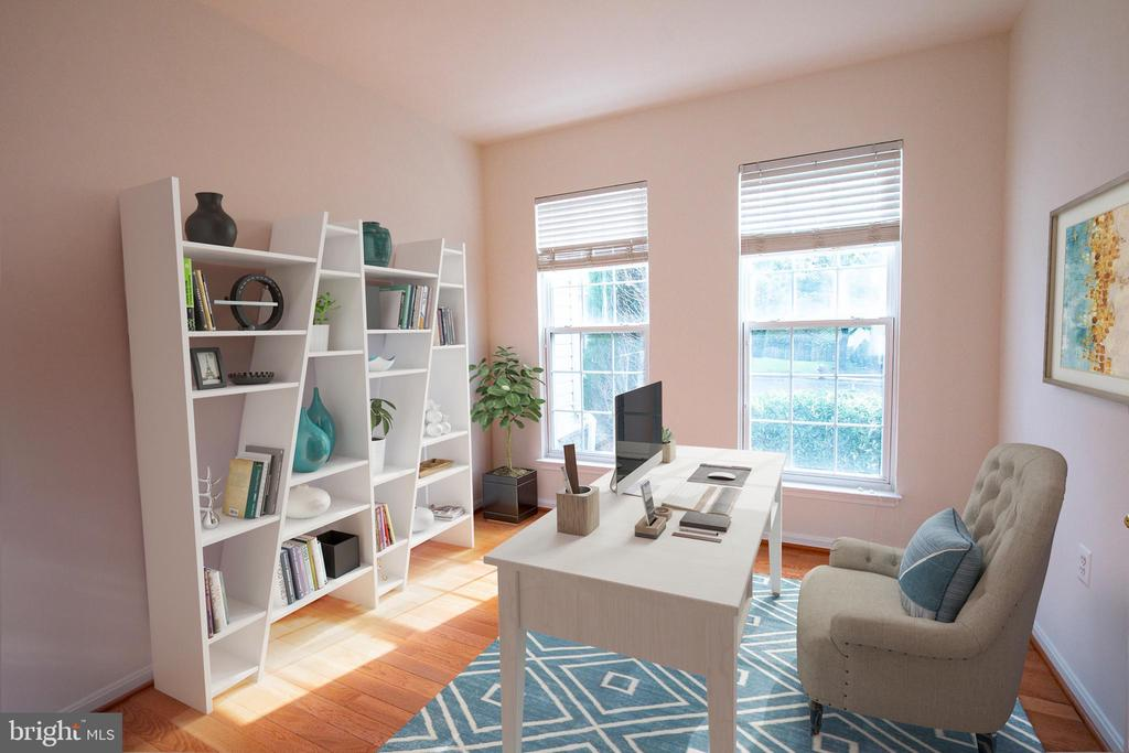 Light and bright study - 709 TONQUIN PL NE, LEESBURG