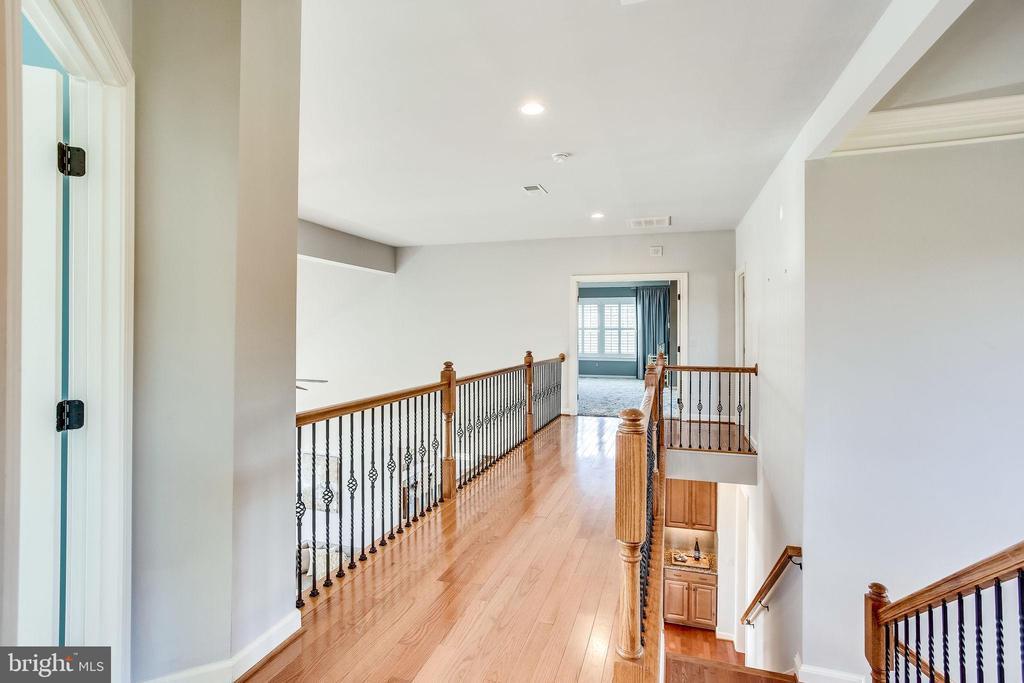Upper Hallway - 20353 TANAGER PL, LEESBURG