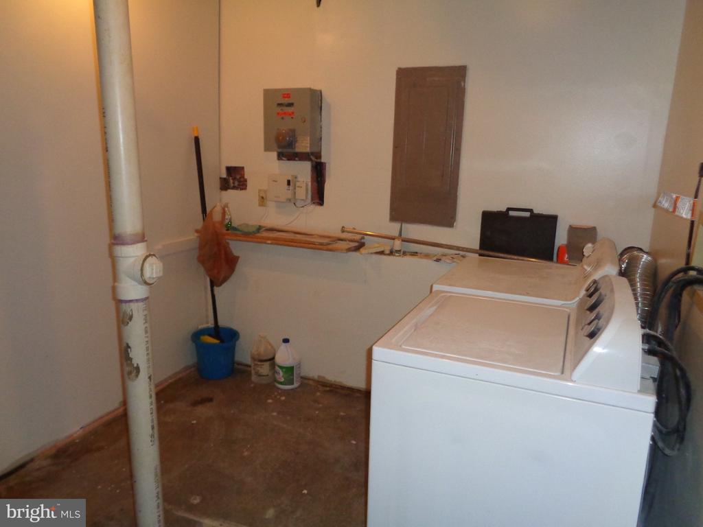 Laundry/Utility Room - 11111 STOCKADE DR, SPOTSYLVANIA