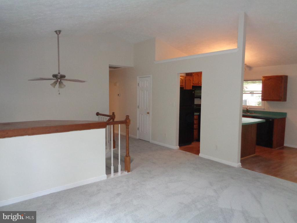 Great Flow From Kitchen and Dining Room - 11111 STOCKADE DR, SPOTSYLVANIA