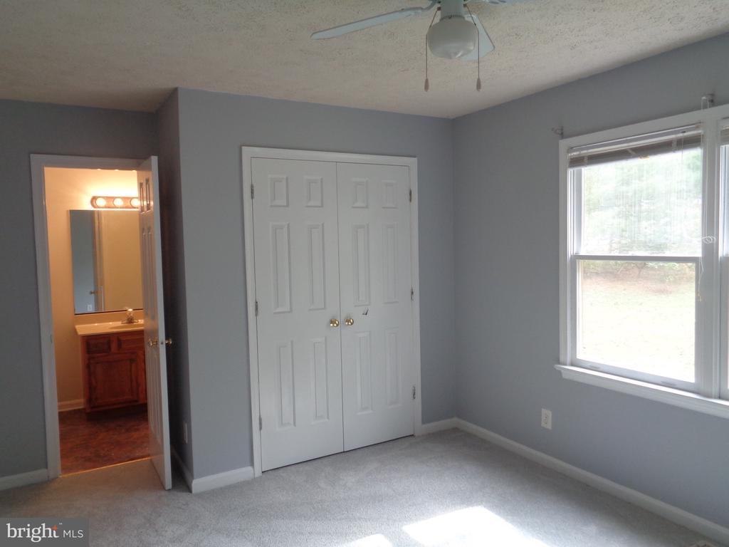 Upper Level Bedroom With Full Bath Access - 11111 STOCKADE DR, SPOTSYLVANIA