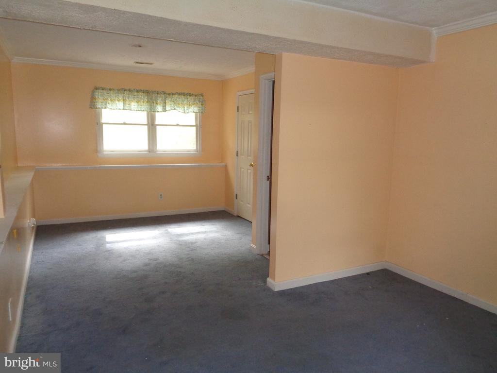 Lower Level Bedroom With Full Windows - 11111 STOCKADE DR, SPOTSYLVANIA