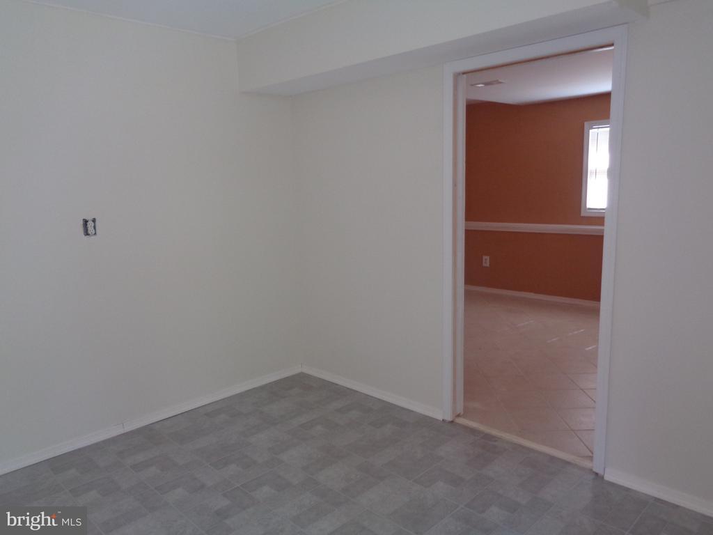 LL Bonus Room Off Of Family Room - 11111 STOCKADE DR, SPOTSYLVANIA