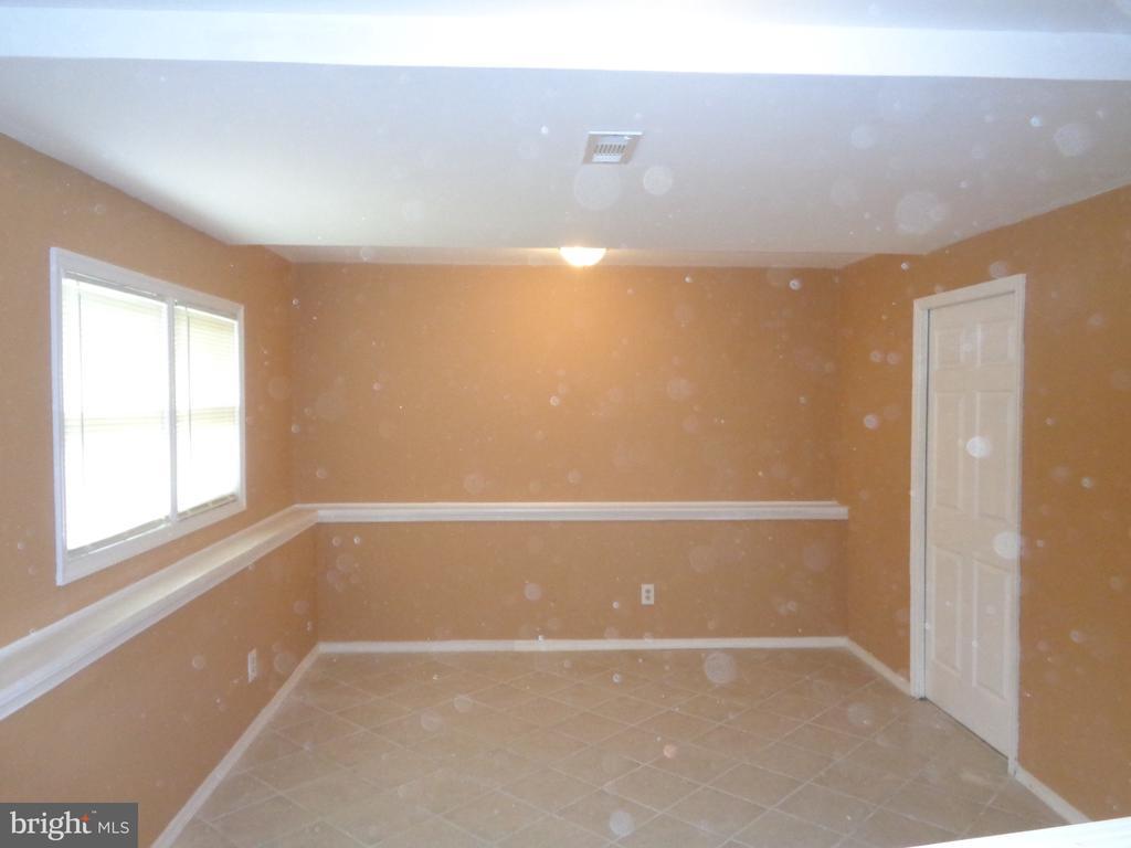Lower Level Family Room With Ceramic Tile - 11111 STOCKADE DR, SPOTSYLVANIA